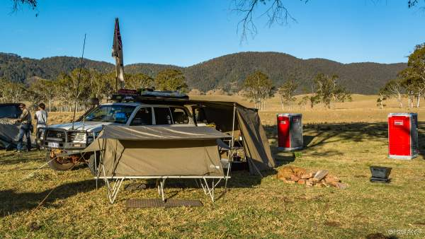 Camping with a 105 series Landcruiser, modified.