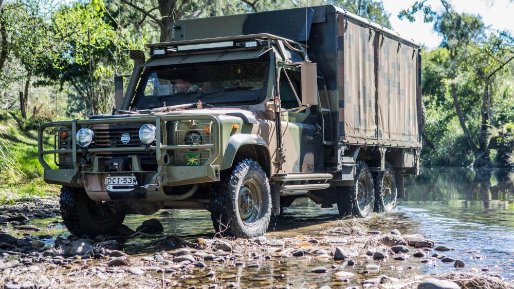 Land Rover Perentie 6x6 1990 Modified
