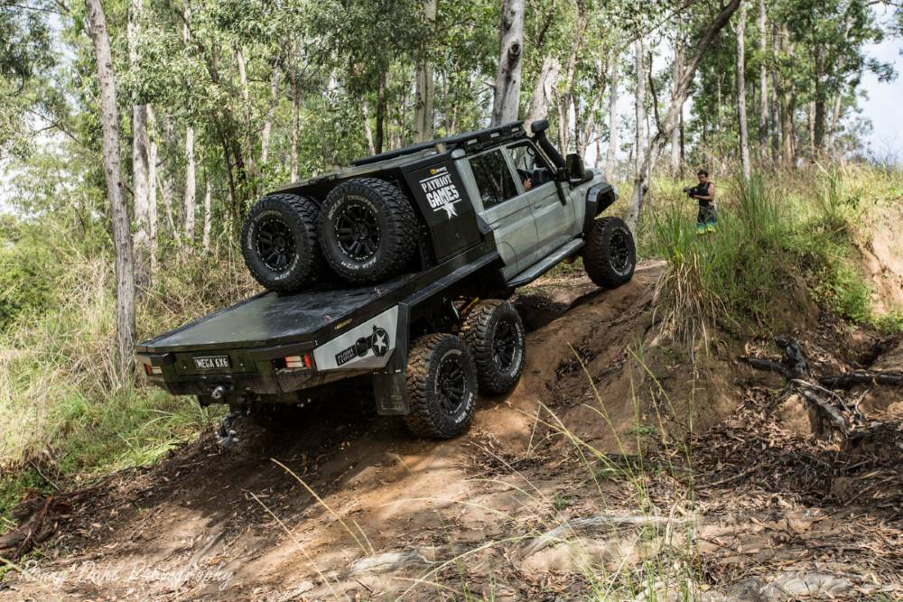 Mega Tourer 6x6 Modified