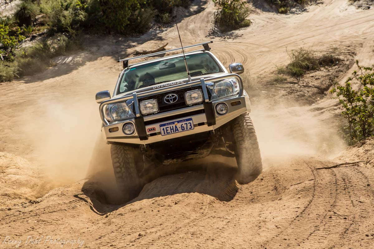 4 Wheeling At The Power Line Track Western Australia _J9A0420