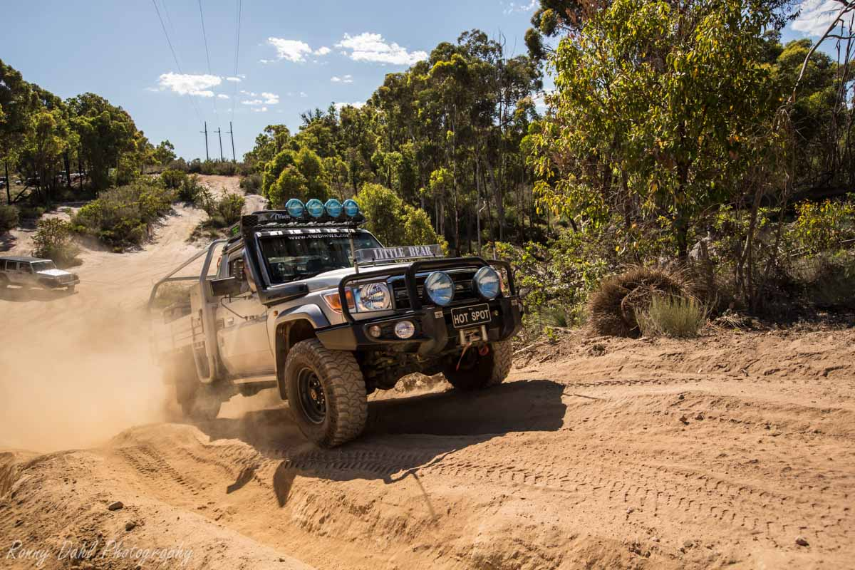 Land Cruiser At The Power Line Track WA _R2A9538