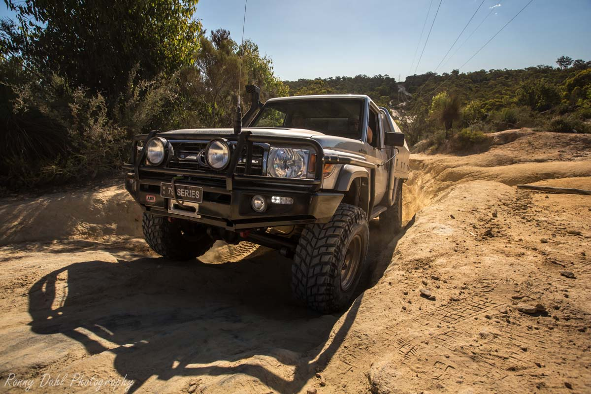 A Toyota Land Cruiser @ The Power Line Track WA _R2A9653