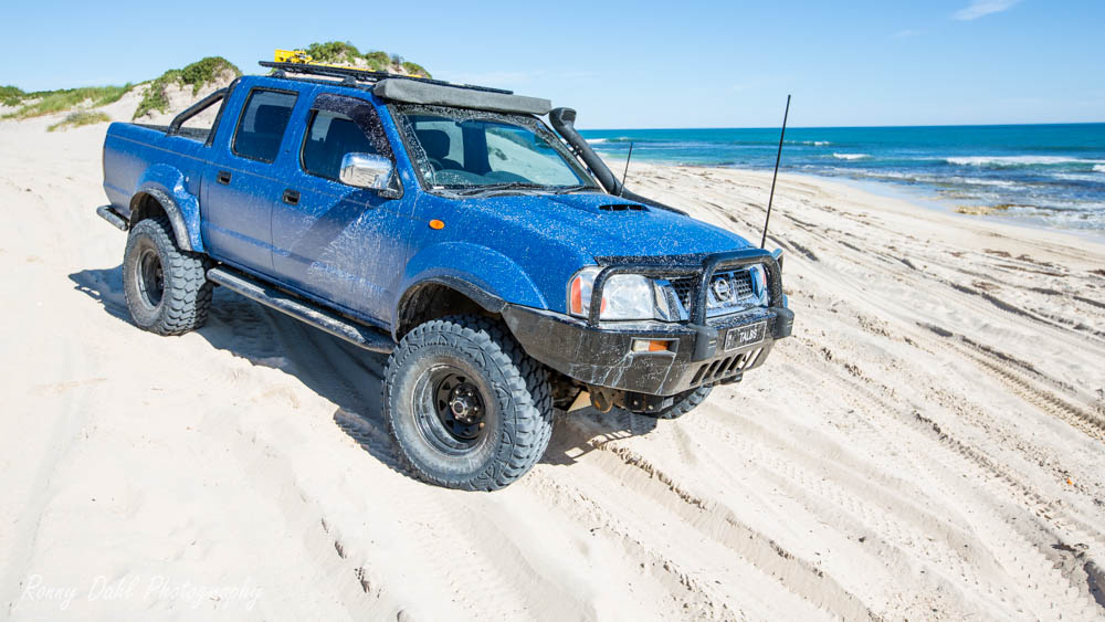 Nissan Navara D22, Modified