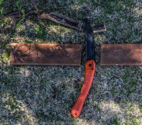 Cheap foldable saw.