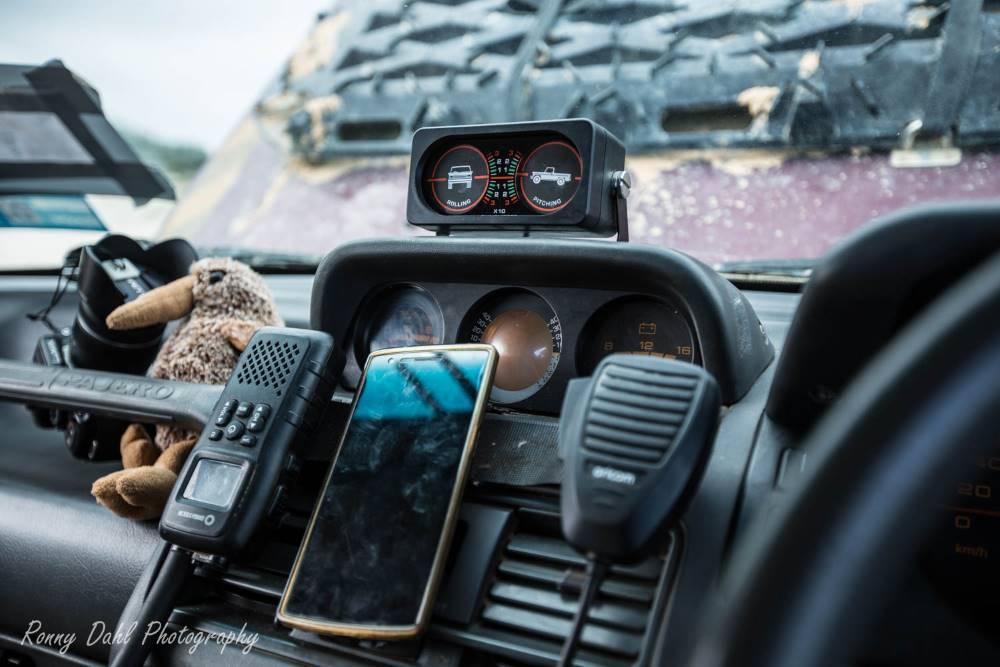 Mitsubishi Pajero nj, comms & GPS.