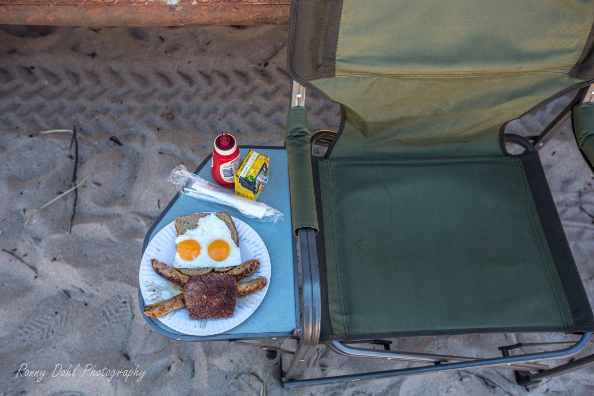 Breakfast on the beach.