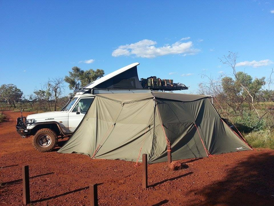 Camping with the the Toyota Landcruiser troopy.