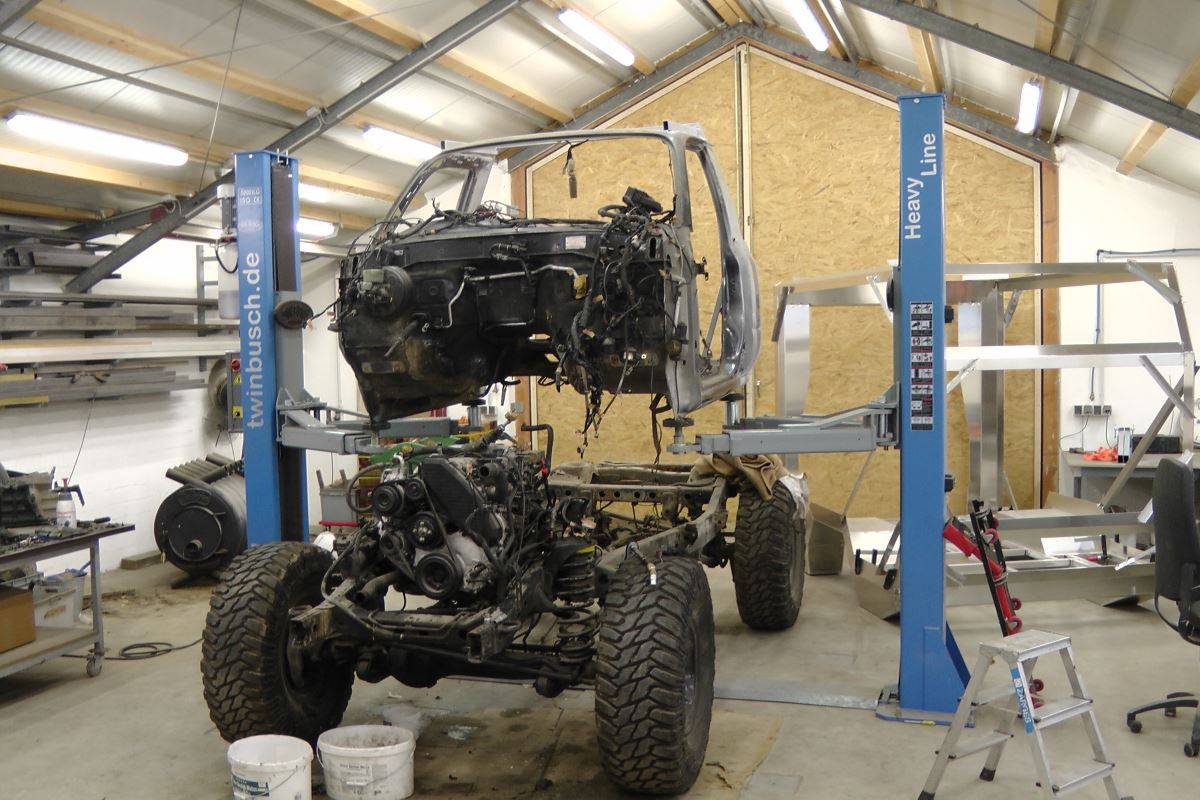 Putting the Toyota Custom 80 series Landcruiser together in the workshop.