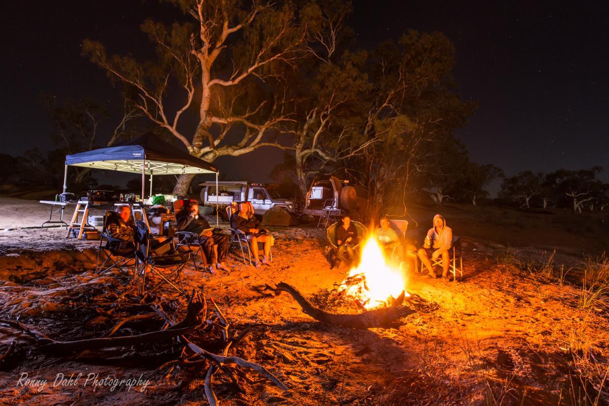 Camp At night.