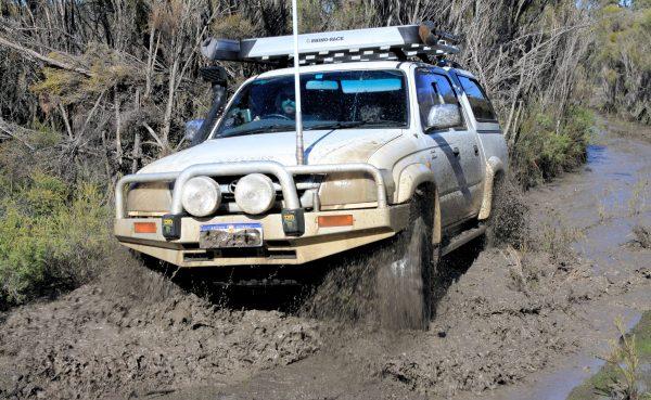 nissan 2006 xterra tire size