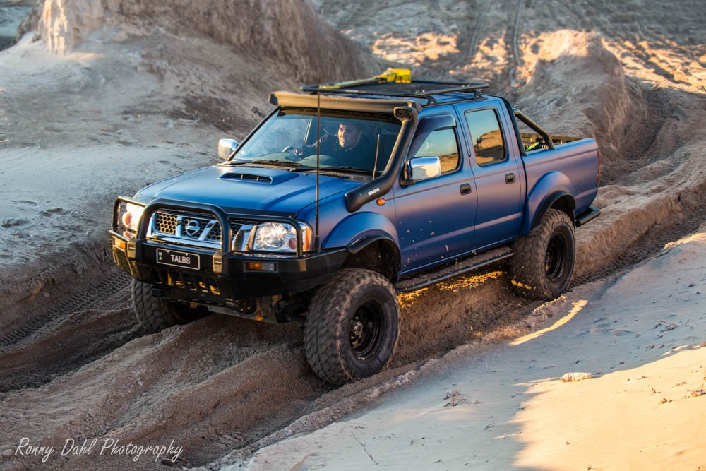 Nissan Navara D22 Modified