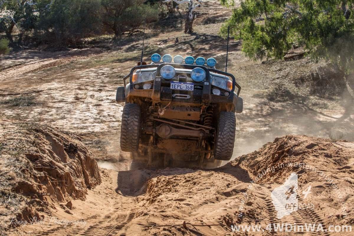 Toyota LandCruiser lifting weels.