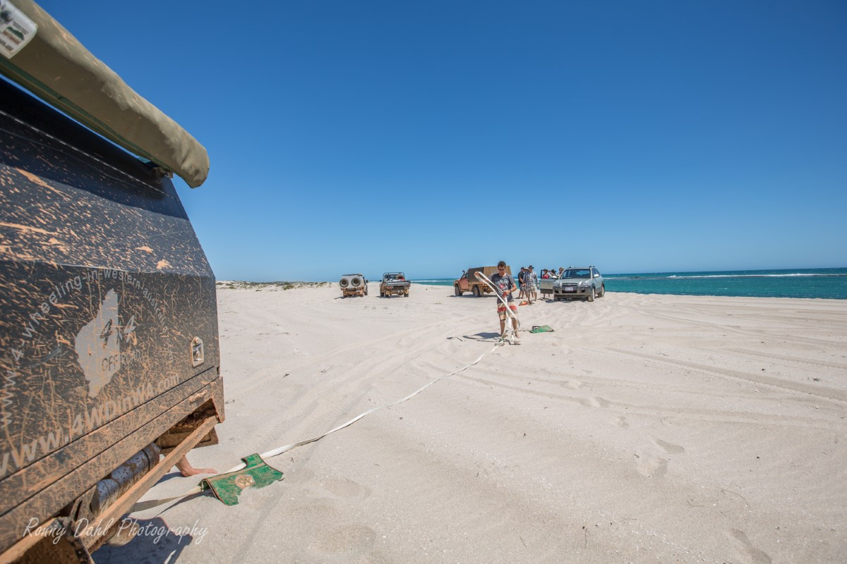 4wd recovery on the beach.