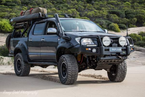 Toyota TRD Hilux, Modified E54.