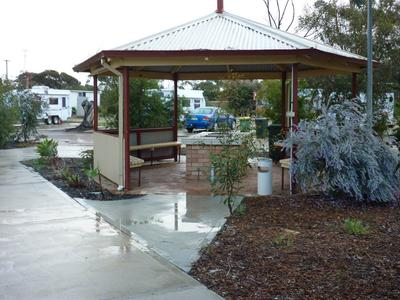 BBQ facilities at Wongan Hills Caravan Park.